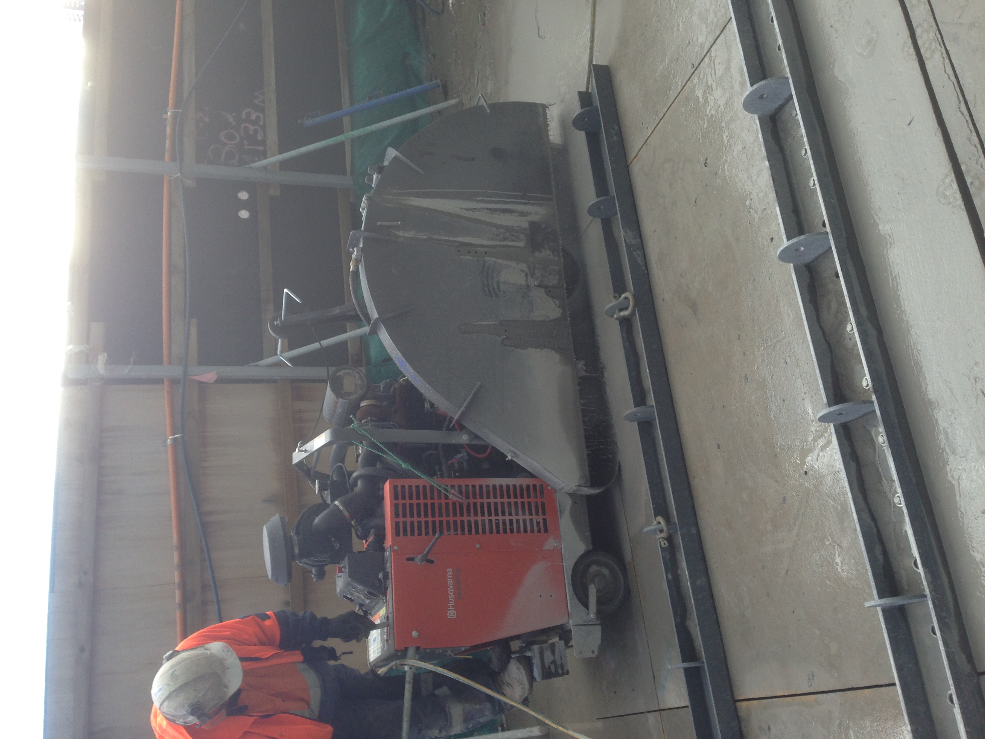 Concrete Wall Cutter : Dandenong wall sawing concrete cutters